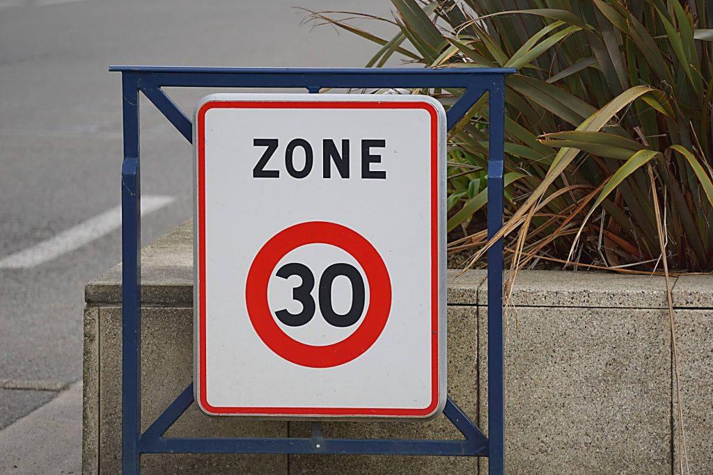 Sur quel site acheter un panneau de circulation danger ?